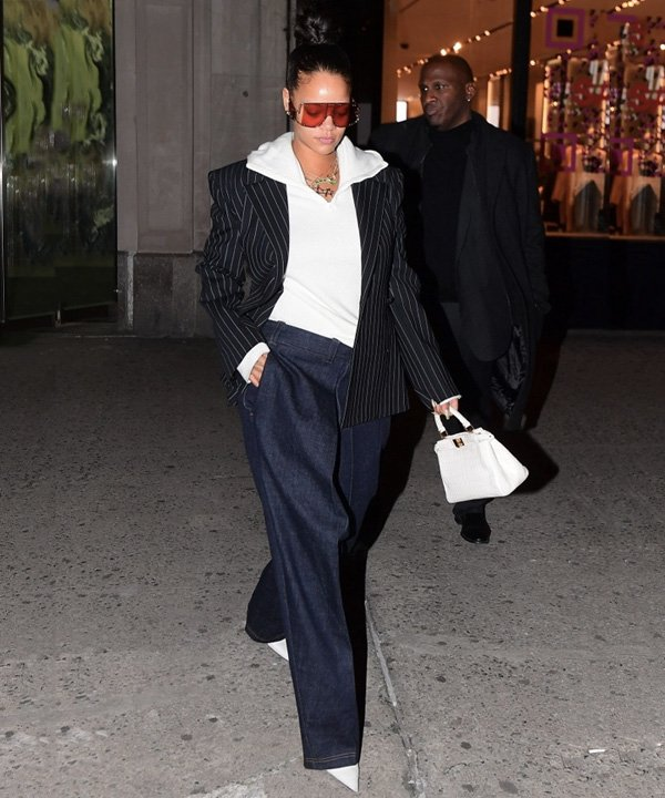 Rihanna - looks de inverno - inverno 2021 - outono - street style - https://stealthelook.com.br
