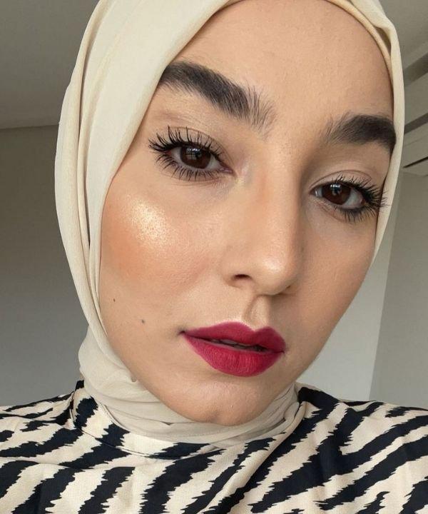 Mariam Chami  - moda modesta  - influenciadoras muçulmanas  - Inverno  - islamismismo - https://stealthelook.com.br