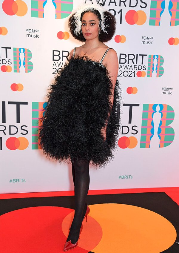 It girls - Brit Awards 2021 - Brit Awards 2021 - Outono - Street Style - https://stealthelook.com.br