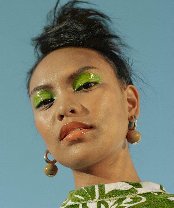 Studio Courtenay - sombra verde - relação com a beleza  - outono - brasil - https://stealthelook.com.br