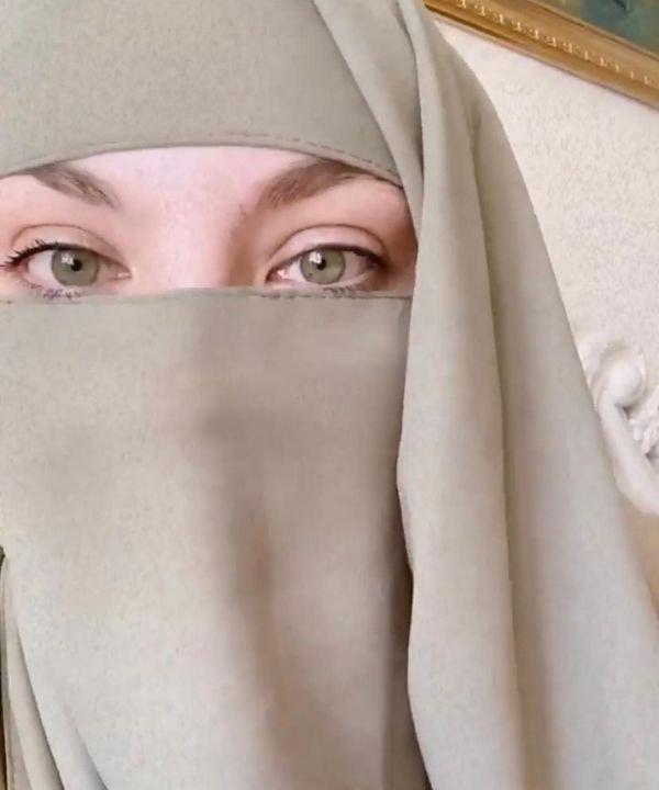 Pamela Abdul  - hijab - influenciadoras muçulmanas - religião islamica  - halal beauty  - https://stealthelook.com.br