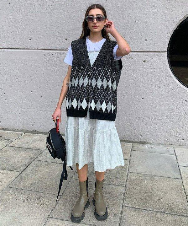 Poppy Almond - colete de tricô - colete de tricot - outono - street style - https://stealthelook.com.br