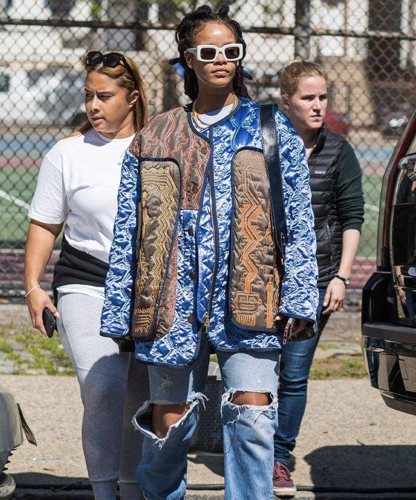 Rihanna - jaquetas puffer - jaquetas acolchoadas - outono - street style - https://stealthelook.com.br
