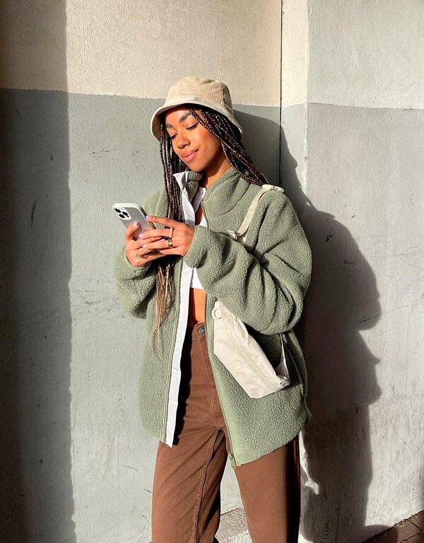 It girls - novos looks - novos looks - Inverno - Street Style - https://stealthelook.com.br