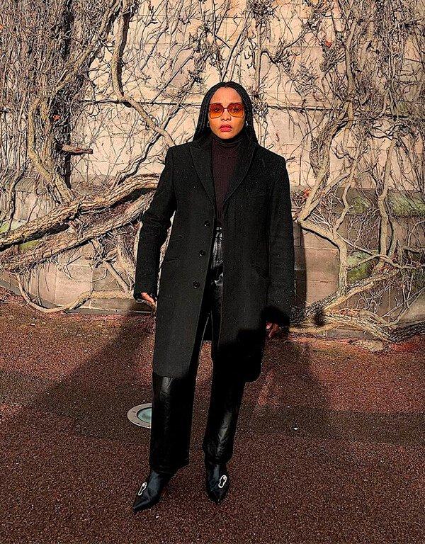It girls - calça de couro - calça de couro - Outono - Street Style - https://stealthelook.com.br
