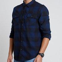 camisa estampada xadrez com bolsos manga longa azul