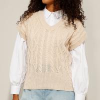 colete de tricô texturizado trança decote v bege claro