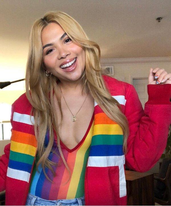 Hayley Kiyoko - lgbt - artistas - instagram - LGBTQIA+ - https://stealthelook.com.br