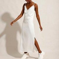 vestido slip dress acetinado com renda longo