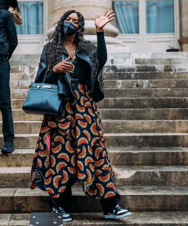 Naomi Cambpell - Street Style - Street Style de Paris - Inverno  - Paris - https://stealthelook.com.br