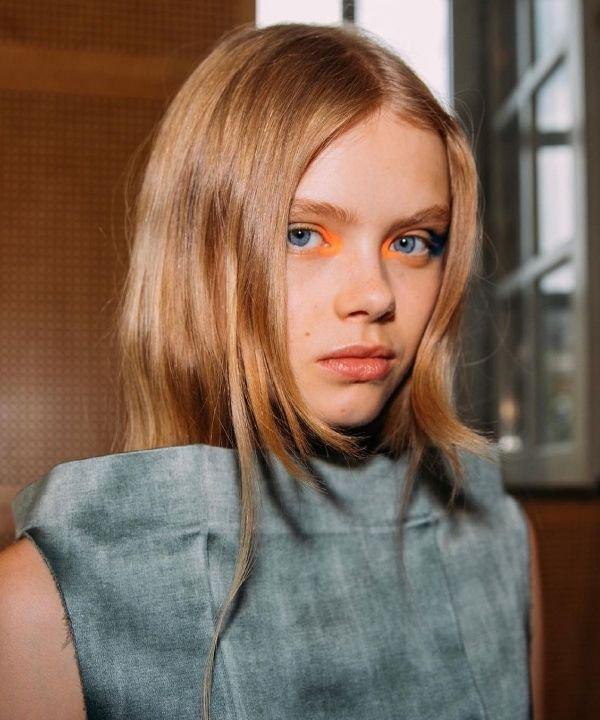 off white  - olhos coloridos - tendências de beleza  - maquiagem para os olhos  - semana de alta costura de paris  - https://stealthelook.com.br