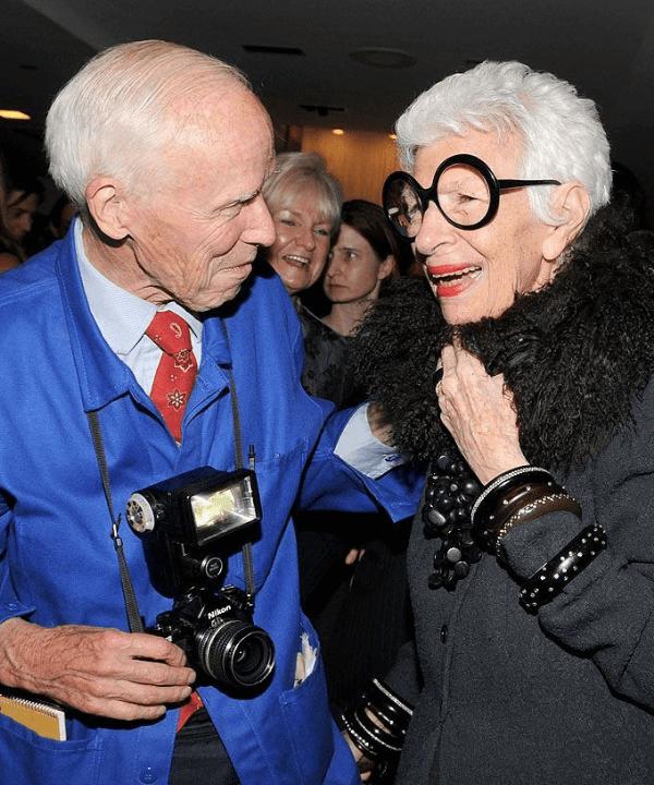 Bill Cunningham e Iris Apfel - Street Style - Bill Cunningham - Inverno  - Steal the Look  - https://stealthelook.com.br