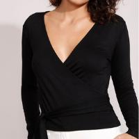 blusa transpassada básica com amarração manga longa decote v preta
