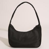 bolsa baguete de ombro com zíper de argola em nylon preta - único