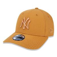 Boné New Era Aba Curva 940 ST MLB NY Yankees Tonal Infantil - Marrom Claro