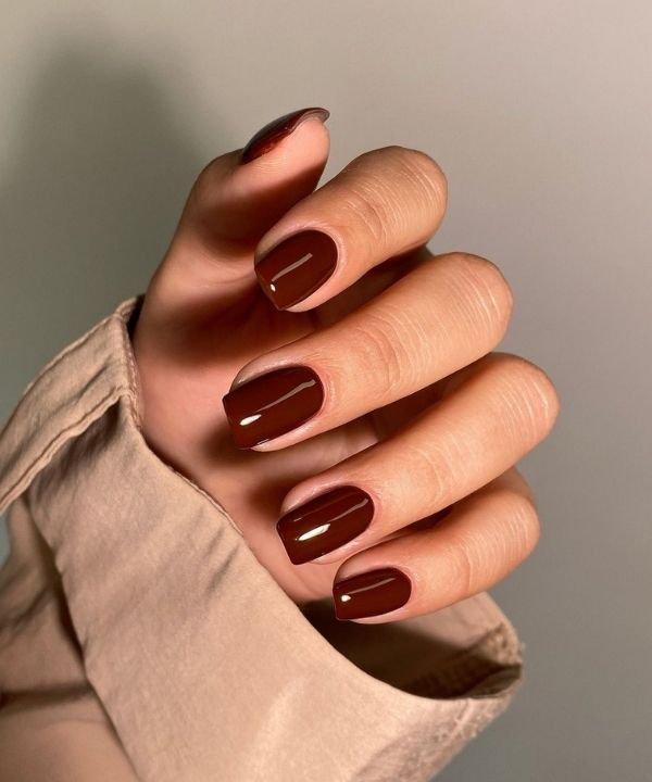 esmalte berinjela  - tons quentes de esmaltes  - cores de esmalte  - unha com cor vinho  - cores de inverno para unha  - https://stealthelook.com.br