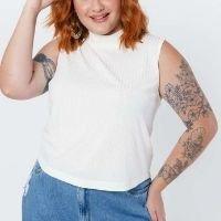 Tal Qual - Blusa Almaria Plus Size Tal Qual Cropped Malha Branco