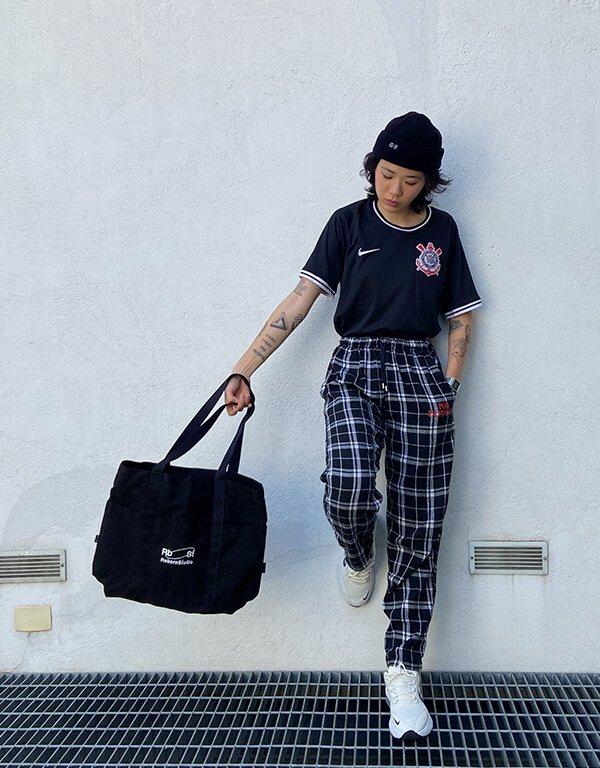 It girls - looks com camisa de time - looks com camisa de time - Inverno - Street Style - https://stealthelook.com.br