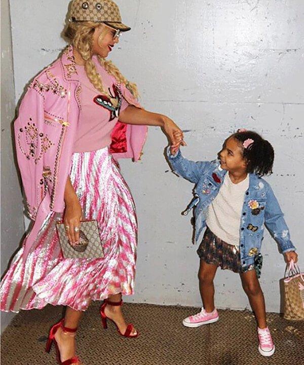 Beyoncé Knowles e Blue Ivy Carter - 2021 - mãe e filha - tendência - Look - https://stealthelook.com.br