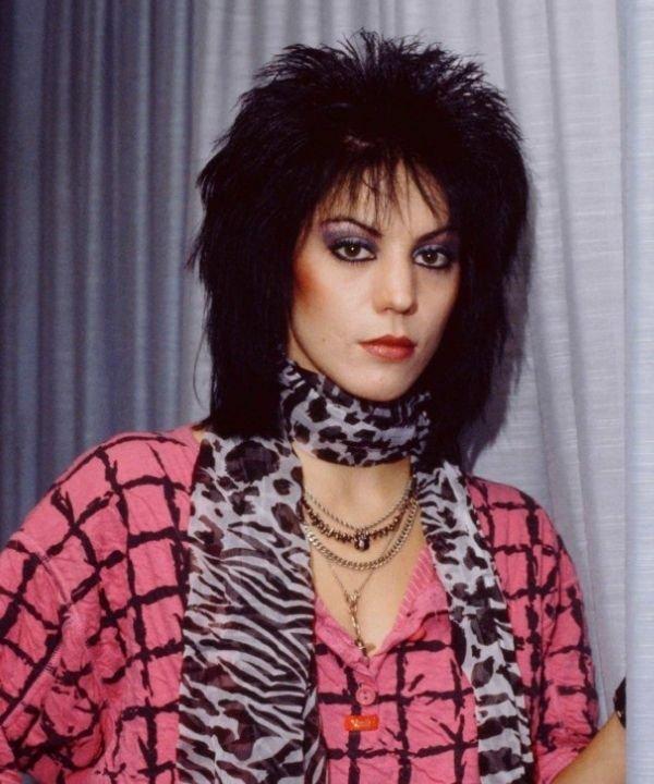 Joan Jett  - maquiagem artística  - história do rock  - heavy metal  - anos 70  - https://stealthelook.com.br