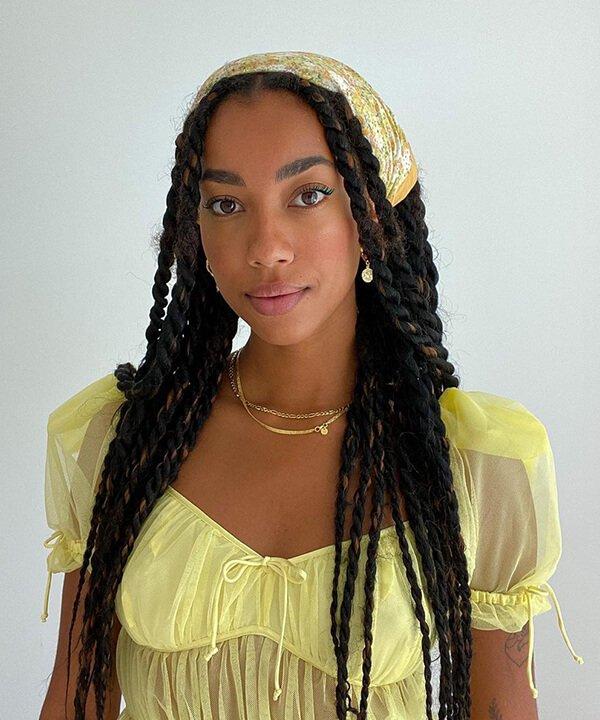 Amaka Hamelijnck - penteados - penteados com bandana - inverno - brasil - https://stealthelook.com.br