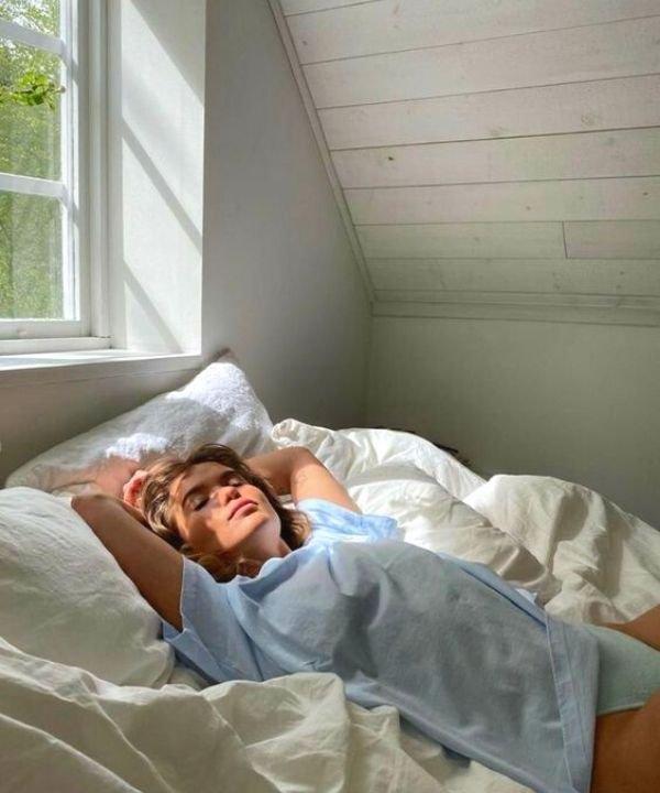 olheiras  - cuidados com o rosto  - rugas do sono  - rotina de skincare  - sleep line  - https://stealthelook.com.br