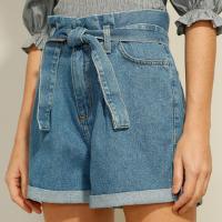 short clochard jeans cintura super alta com faixa para amarrar azul escuro