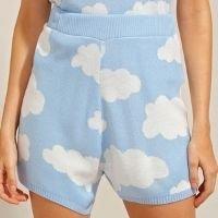short de tricô estampado de nuvens cintura super alta azul claro