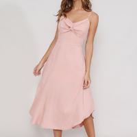 vestido feminino midi com torcido alça fina rosê