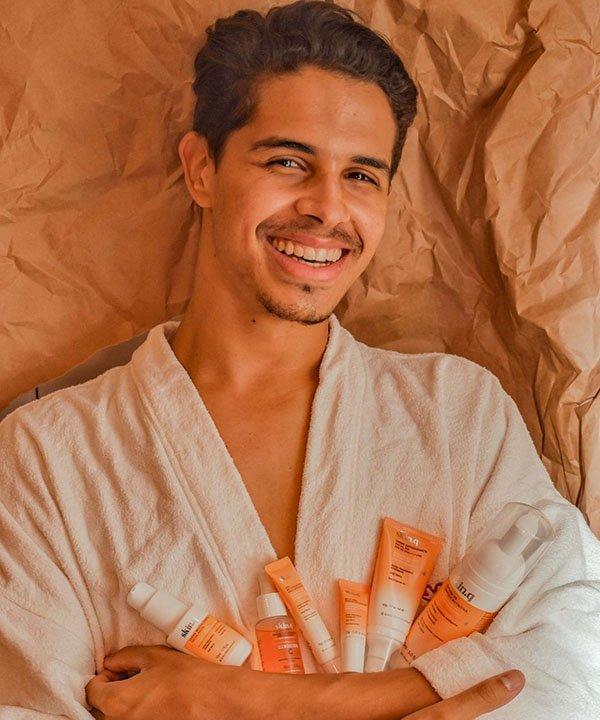Pele de Victor  - beleza masculina  - beleza sem gênero  - homens que fazem skincare  - maquiagem para homens - https://stealthelook.com.br