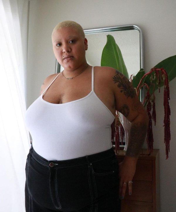 Jazzmyne Jay - 2021 - cabelo raspado - cabelos - cabeça raspada - https://stealthelook.com.br