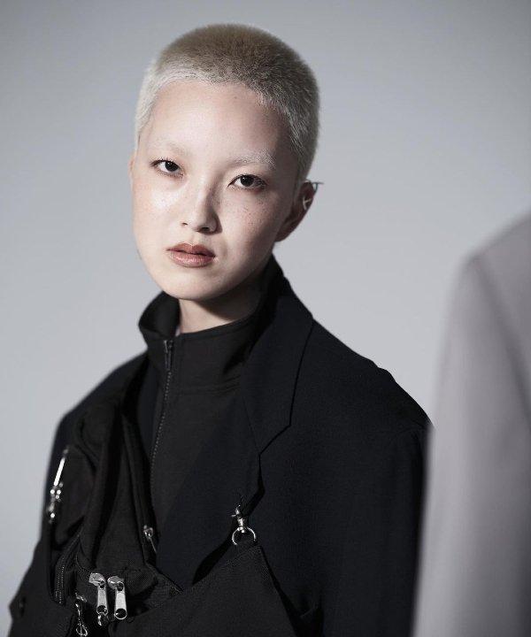 RISA - 2021 - cabelo raspado - cabelos - cabeça raspada - https://stealthelook.com.br