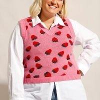 colete de tricô estampado de morangos plus size decote v mindset rosa