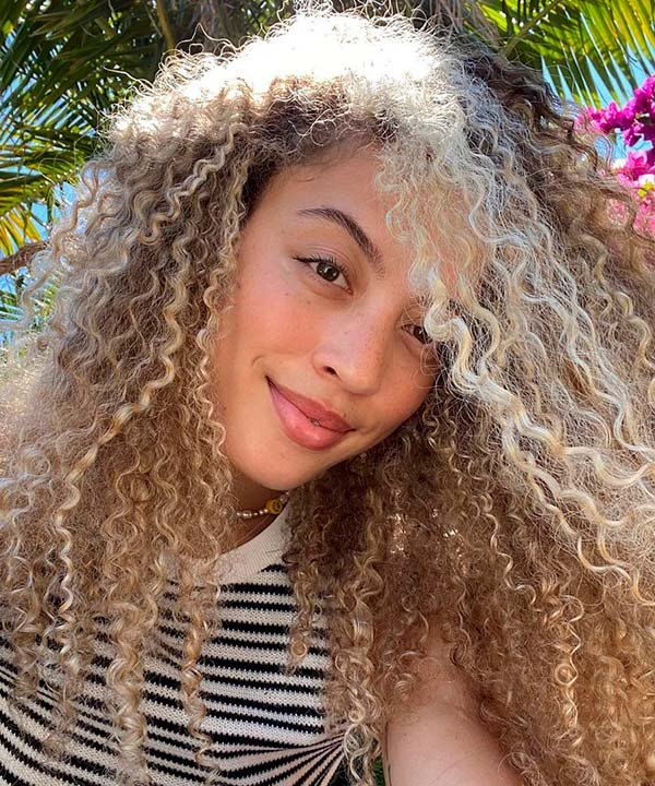 Jasmine Hahn - cabelo - cabelo loiro - inverno  - brasil - https://stealthelook.com.br
