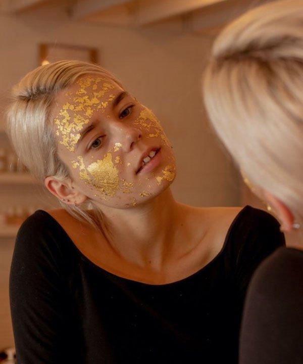 Gold Face Mask - produtos cosméticos com ouro  - tipos de máscaras faciais  - face gym  - Máscara de ouro  - https://stealthelook.com.br