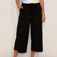 calça feminina pantacourt cintura alta canelada com bolsos e faixa para amarrar preta