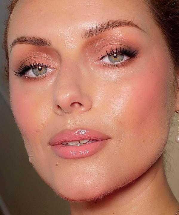 KATIE JANE HUGHES - maquiagem - preenchedores labiais - inverno  - brasil - https://stealthelook.com.br