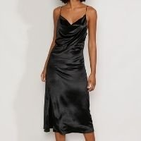 vestido de veludo feminino slip dress midi com fenda alça fina preto