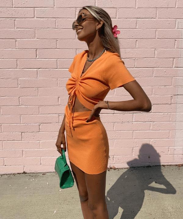 Brit Harvey - Street Style - tendência cut-out - Verão - Steal the Look  - https://stealthelook.com.br