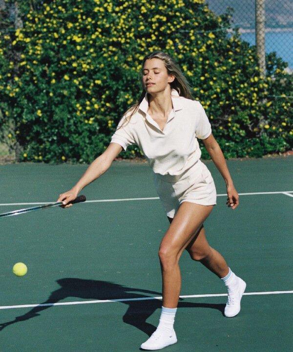 Sporty & Rich - 2021 - tenniscore - skatecore - tendência athleisure - https://stealthelook.com.br