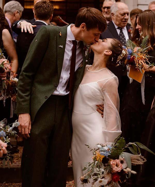 Rebecca Jayne Hernandez - casamento - vestido de noiva com manga longa - inverno  - brasil - https://stealthelook.com.br