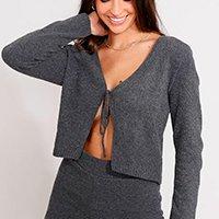 cardigan cropped de tricô com amarração decote v chumbo