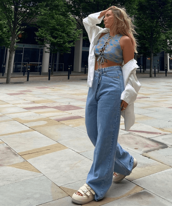 Faye Mills - Street Style - looks com cropped - Verão - Steal the Look  - https://stealthelook.com.br