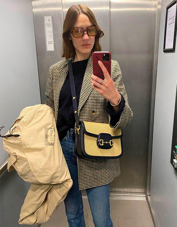 It girls - Alexa Chung - Alexa Chung - Inverno - Street Style - https://stealthelook.com.br