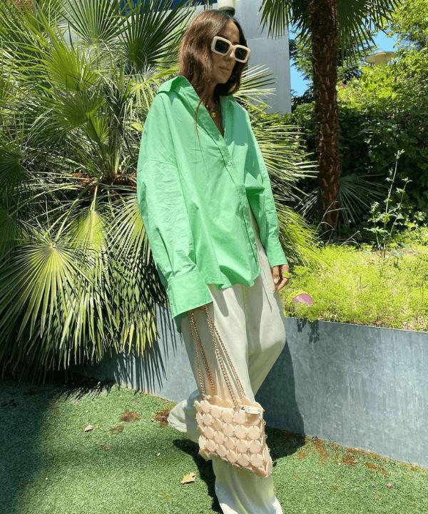 Laura Eguizabal - Street Style - camisa verde - Verão - Steal the Look  - https://stealthelook.com.br