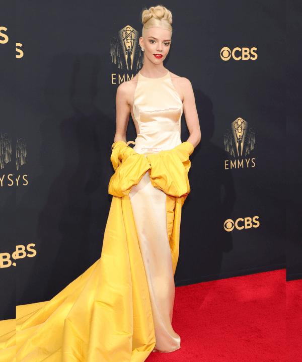 Anya Taylor-Joy - Tapete vermelho - Emmy Awards 2021 - Verão - Los Angeles - https://stealthelook.com.br