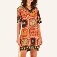vestido curto tapete tropical