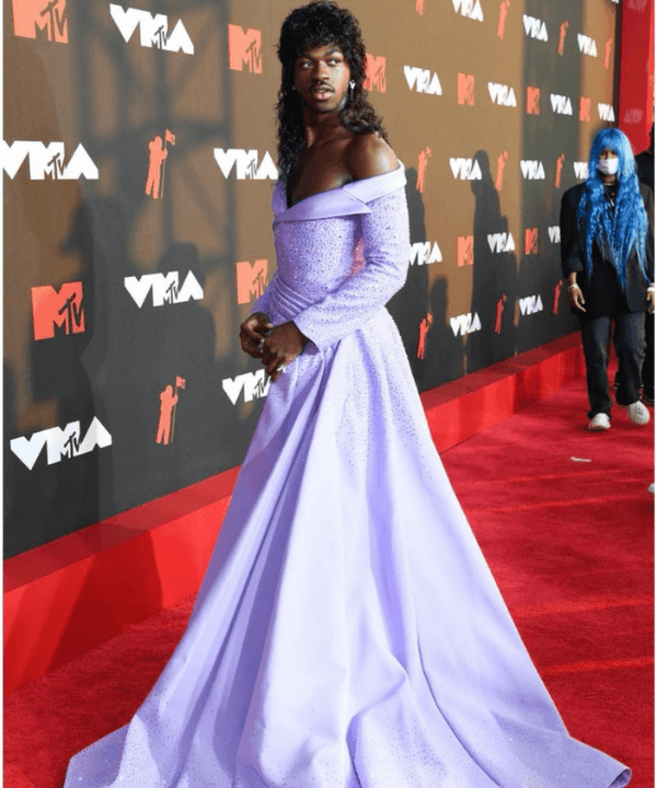 Lil Nasx - Gala - Looks VMA - Verão - Steal the Look - https://stealthelook.com.br