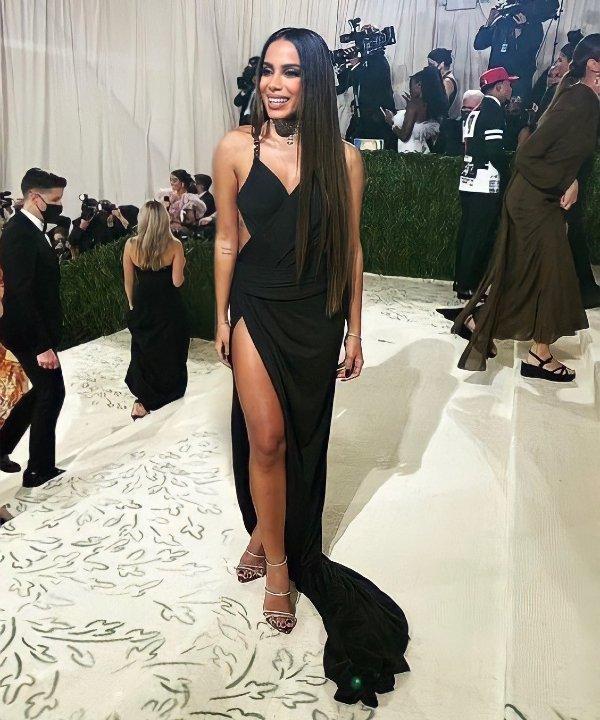 Anitta - 2021 - MET Gala - Vogue - Metropolitan Museum of Art - https://stealthelook.com.br