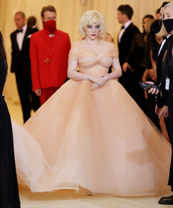 Billie Eilish - 2021 - MET Gala 2021 - Vogue - Metropolitan Museum of Art - https://stealthelook.com.br